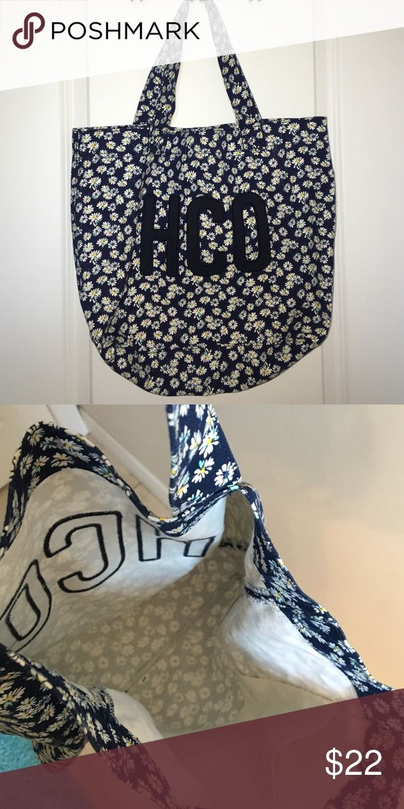 Hollister bag Barely used, great condition Hollister Bags
