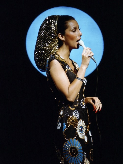 Cher: 1970s: Music Icons, People Musicians, 1970S Fashion, Gold Snood, Hair Net, 70S Style, Dear Amazing, Cherilyn Sarkisian, Sonny And Cher