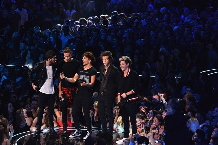 Will Any One Direction Members Be At The 2016 VMAs? A Certain 1D Guy Could…