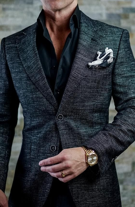 Free pocket square with your jacket! Designer suits for