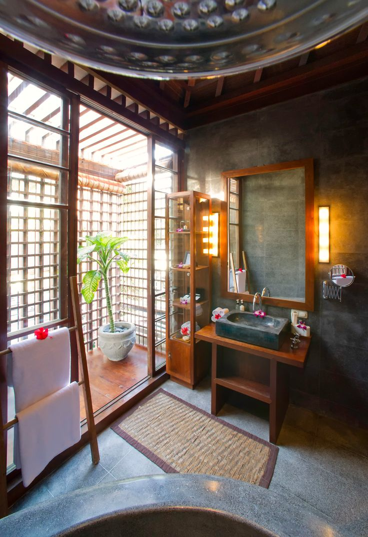 Majapahit Beach Villas, Ketewel, Bali. Three-bedroom fully staffed villa complex. Full staffed and ideal for celebrations, or a getaway with family or friends.