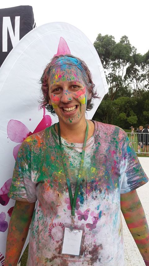 Enthusiastic LGFB volunteer at the Color Run Auckland 2017