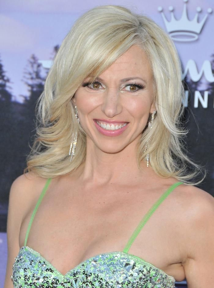 Debbie Gibson Dishes on 'Summer of Dreams,' Reveals Whether She Kept All Those…