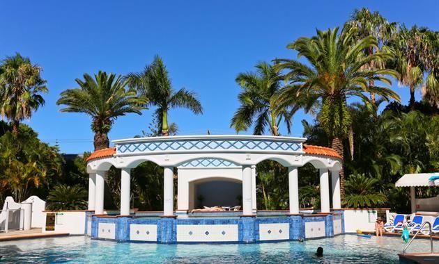 Pool Image 03