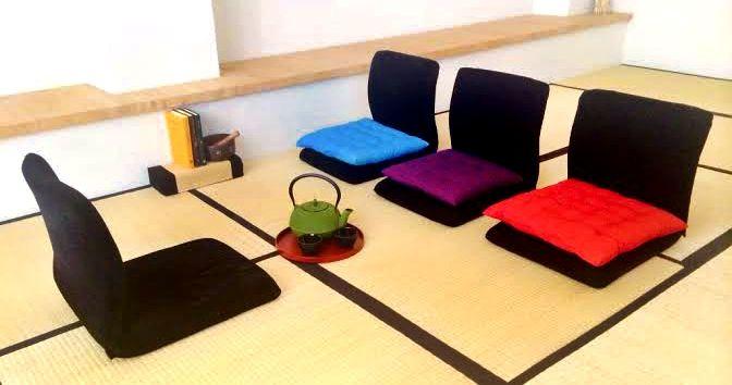 Trilotherapy set, now available at: www.tatami.co.il מושבים לישיבה נמוכה. יצירת פינה תה חמימה או פינת טיפולים אינטימית. טרילותרפיה.