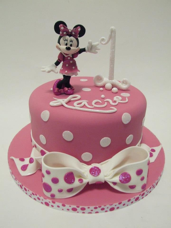 94 best Minnie Mouse cakes images on Pinterest Cake ...