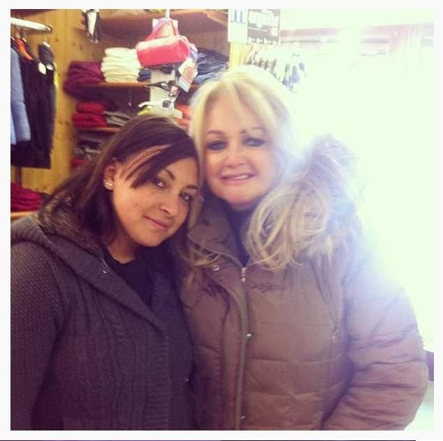 #BonnieTyler #Meeting #Shop #Italy #Holiday #Fans #Rock #Music    www.the-queen-bonnie-tyler.com    Photo: Erika