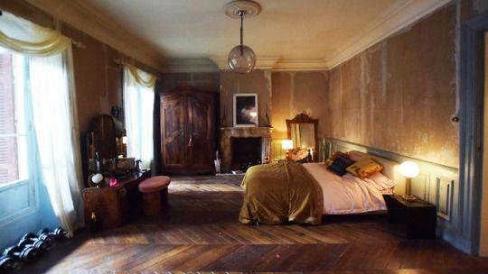 A Closer Look At Villanelle S Parisian Apartment