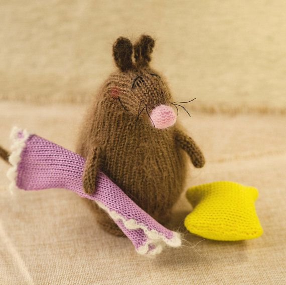 Snoozy brown mouse with Blanket & Pillow Hand-knitted Toy