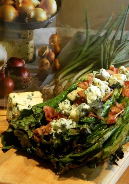 Madame Anne aux fourneaux: Laitue romaine grillée, fromage bleu et bacon