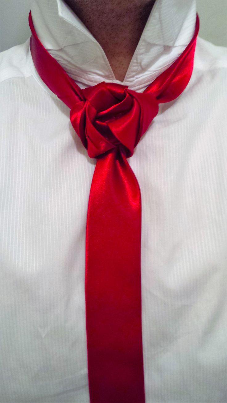 The Stephanie Rose knot (BY Boris Mocka...AKA The Jugger Knot) Sie inetessieren sich für den einzigartigen Gentleman Look? Schauen Sie im Blog vorbei www.thegentlemanclub.de