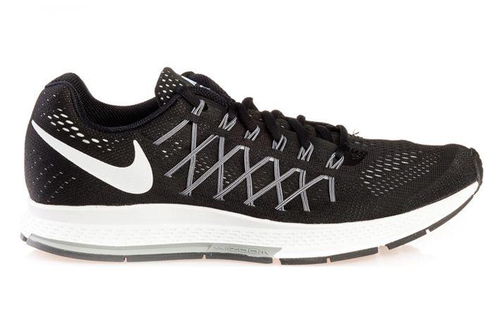 #Nike Air Zoom Pegasus 32 - męskie buty do biegania, które zwiększają tempo biegu dzięki wyjątkowo dynamicznej amortyzacji,lekkości i wsparciu. Zwiększają szansę poprawienia swoich wyników biegowych. Przeznaczone na utwardzone nawierzchnie miejskie oraz polne ścieżki. Polecany biegającym z pięty. #airzoom #jesienzima2015 #treningowe #cushlon