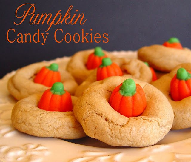 Pumpkin Candy cookies- cute and easy!: Fall Cookies, Pumpkin Cookies, Fall Parties, Candy Corn, Pumpkin Candy, Pumpkins, Candy Cookies, Hershey Kiss, Halloween Cookies