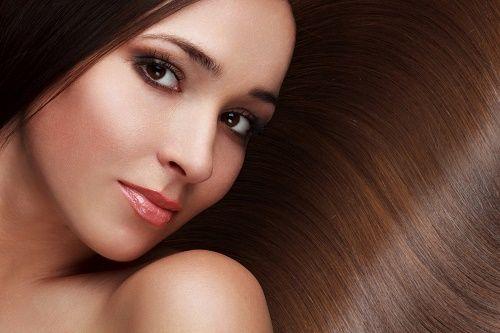 Vores hårer en levende forlængelse af os selv, og derfor bør vi også sørge for at pleje det ordentligt. Her giver vi dig otte tips til sundt og smukt hår.
