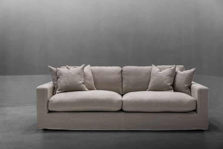 Beige, sand, Valen soffa avtagbar linneklädsel. Linne, soffa, djup, låg, dun, möbler, inredning, stor rymlig. http://sweef.se/sweef-lyx/507-valen-loose-linne-edition.html