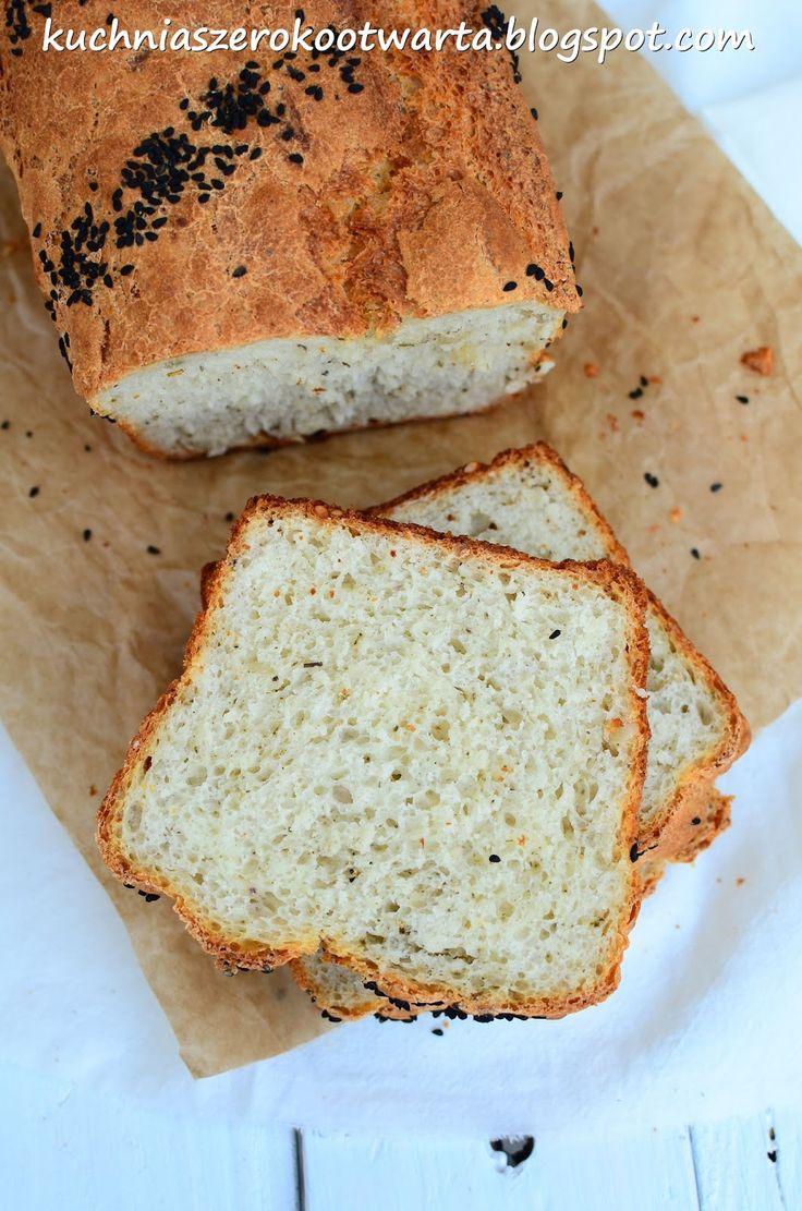 Przygotowanie tego chleba nie zajmie Wam więcej niż 10 minut. Lubię takie ekspresowe przepisy, które ratują nas, kiedy braknie bazowego skł...