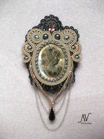 Inconnue broche2 by Anneta Valious