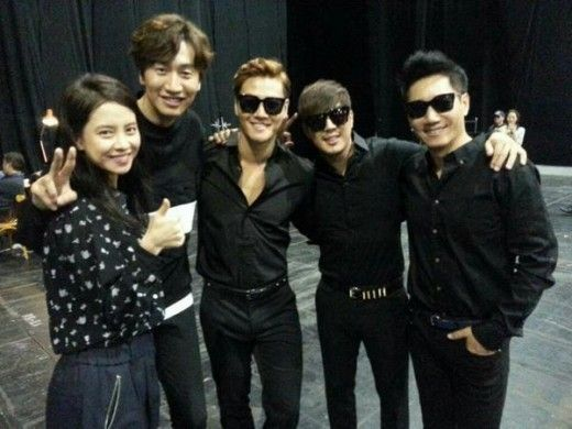 SBS Running Man, after a fan meeting in HK on saturday. (Song Ji Hyo, Lee Kwang Soo, Kim Jong Kook, Haha & Ji Sik Jin)