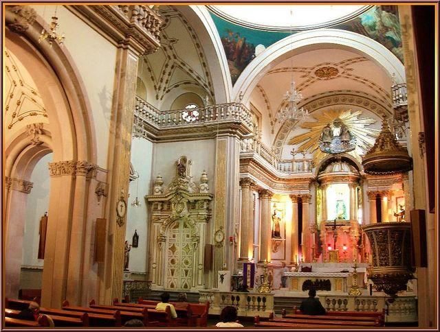Interior, the main temple -- Templo de San Diego