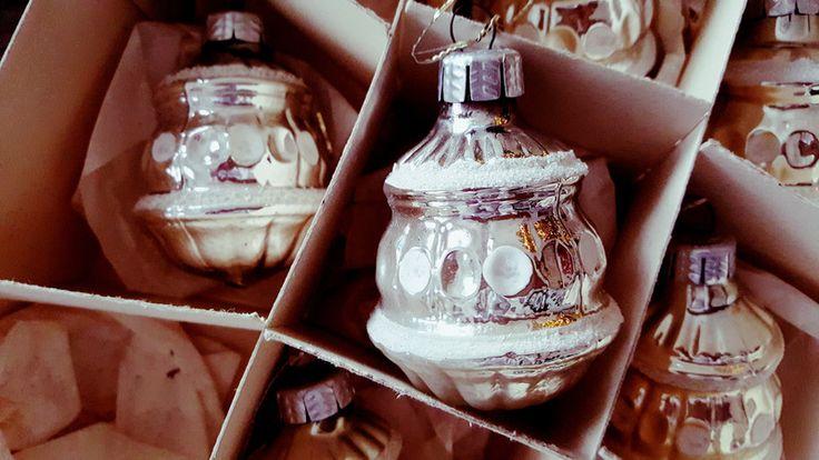 Baumschmuck: Kugeln - alter Weihnachtsschmuck*orig.Lauschaer Glasschmuck - ein Designerstück von Shabby-und-vintage-Style bei DaWanda