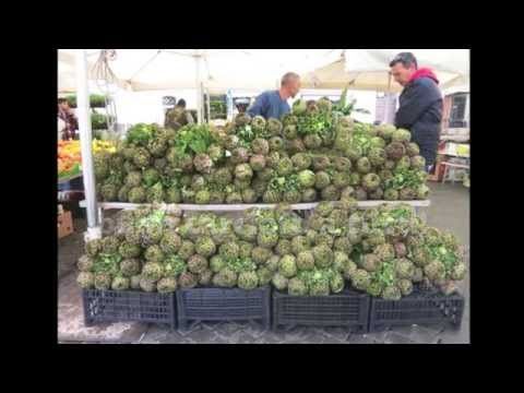 @Elizabeth Lockhart Minchilli captures Roman's love for spring artichokes in this fun video. The perfect capture of spring in Rome's markets.