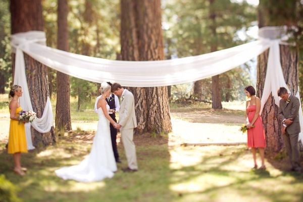 outdoor wedding ceremony decor 42 best temporary fence images on fences 6319