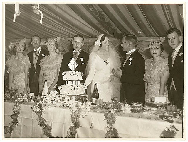 Society wedding reception (Meeks and Hordern families), Sydney, February 1936 / Sam Hood