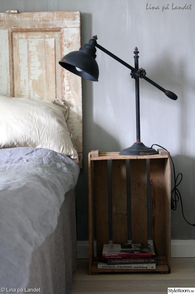 sänglampa,sockerlåda,sängbord,nattduksbord