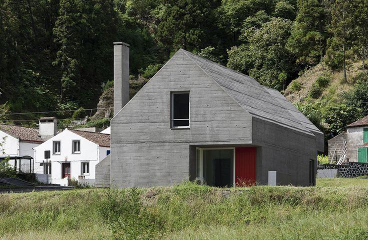 Galeria de Loteamento e casas das Sete Cidades / Eduardo Souto de Moura + Adriano Pimenta - 26