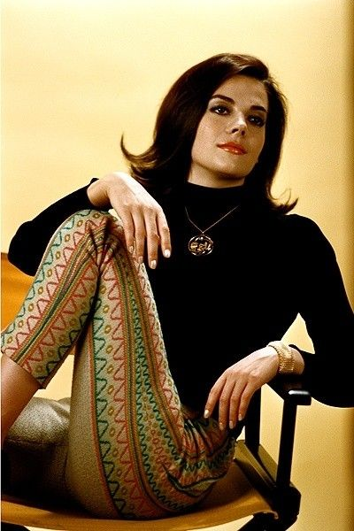 Natalie Wood 1960s fashion pants black turtleneck