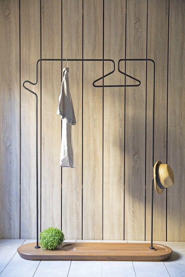 Appendiabiti a stelo da soffitto in metallo in stile moderno Pend Valet Stand - Kann Design