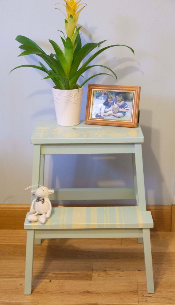 Painted wooden step stool plant stand by Papillondesigned on Etsy
