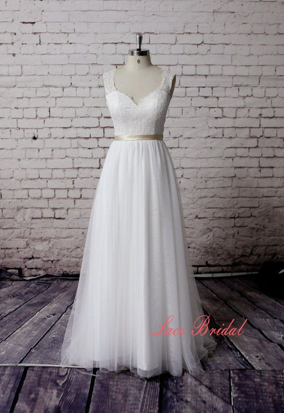Robe de mariée de Sweetheart en dehors de la robe de par LaceBridal