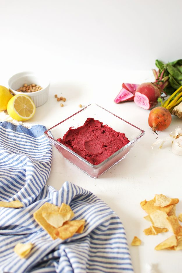 Homemade Beet Hummus | beet hummus recipe with tahini, healthy beet hummus, healthy hummus recipes, simple beet hummus, easy hummus recipes || The Butter Half via @thebutterhalf #beethummus #easyhummus #healthysnack