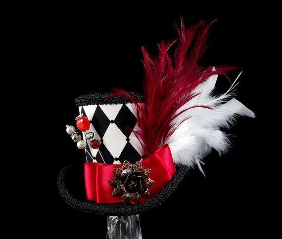 Queen of Hearts – noir, blanc et rouge impératrice Harlequin Collection Mini chapeau haut de forme, Alice au pays des merveilles, Mad Hatter Tea Party, Derby Hat