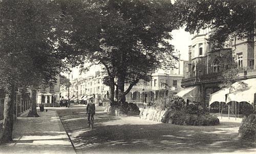The Broadway Brighton Road Worthing c1910