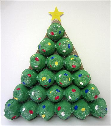 Christmas projects for preschoolers rboles rboles de for Christmas decorations using egg cartons