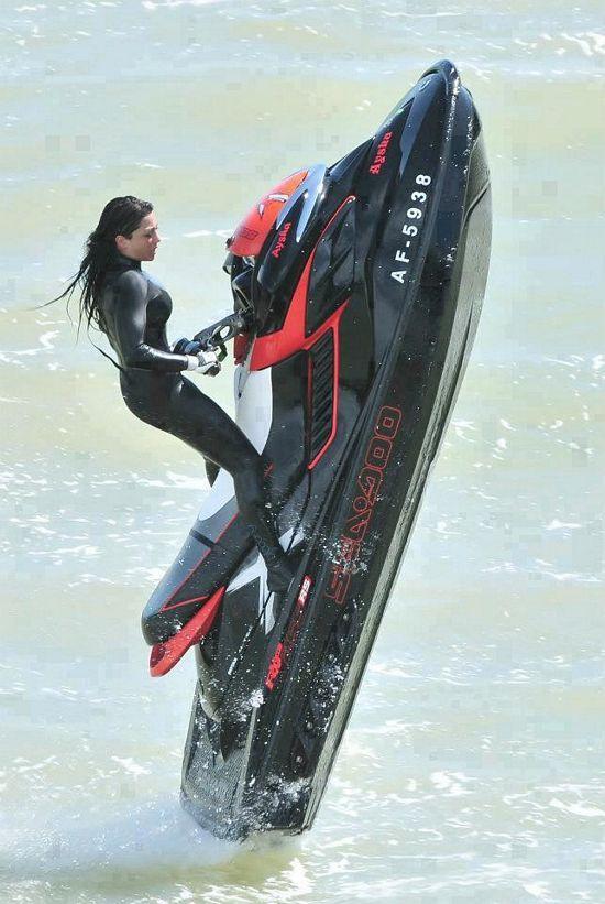 Awesome!! Powerwoman!