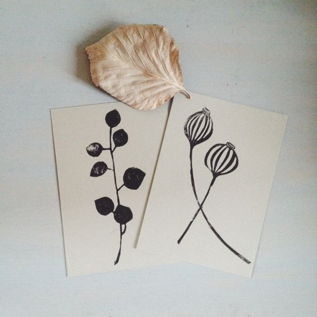 LAST ONES! a set of two hand printed botanical postcards, block printed with my own illustrations (poppies and oregano) on a lovely light grey recycled paper.size 147x103mm (5.8x4.1 inches)Please note...