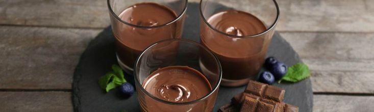 A csokis desszerteknek nem nagyon lehet ellenállni, főleg akkor, ha olyan selymes és krémes, mint egy csokimousse. Az egyetlen gond vele, hogy igazi kalóriabomba –kivéve ezzel a recepttel!