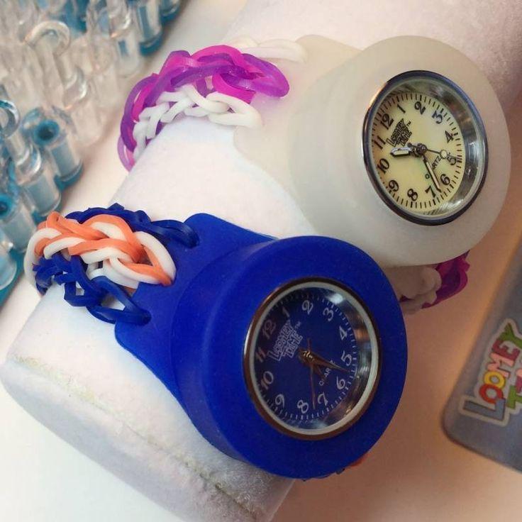 Horloge Loombands donkerblauw | Speelgoed Kiki #loomen #loombands #DIY