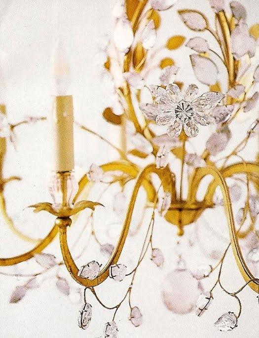 i love vintage chandeliers