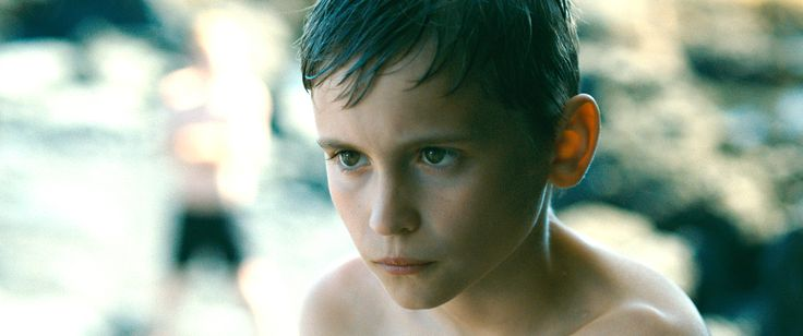 少年と女性しかいない孤島を舞台に悪夢の始まりを美しい映像でつづり、各国の映画祭で高評価を得た異色作『エヴォリューション』がついに公開! 『ビフォア』シリーズや『6才のボクが、大人になるまで。』のリチャード・リンクレイター監督ファン待望の新作青春ドラマ、トム・クルーズ『アウトロー』の続編、こうの史代のコミックをアニメ化した『この世界の片隅に』、鬼才・アレハンドロ・ホドロフスキー幻の未公開作など、豊作の今月。