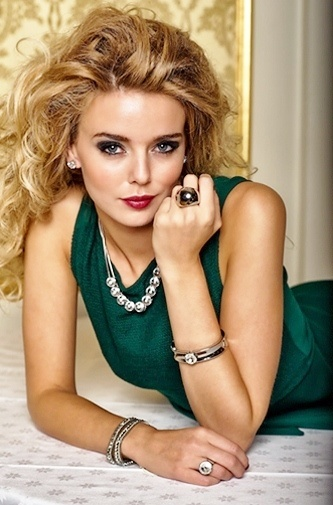 """Jewellery from STAR OF Scandinavia, collection """"AWESOME"""". Current favourite necklace, for daily outfits as well as long nights!"""