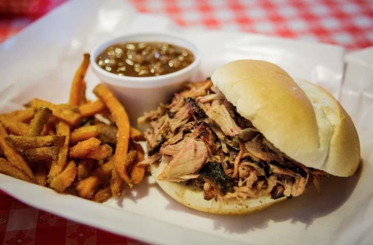 Here's a quick picture of Pappy's Smokehouse's pulled pork sammy. If this isn't Monday motivation, we don't know what is! After seeing this, we hope you have the least Mondayest Monday ever! Visit their location at 3106 Olive Street Blvd. (Yes we have their address memorized, so what?) & if you know nothing about Pappy's then you'll be happy to learn that they are one of the BEST barbecue places in the STL area, and we are not joking #getinourbelly #bestrestaurantinstl