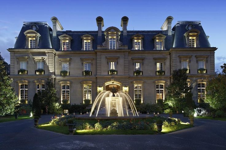 Book Saint James Paris - Relais et Chateaux, Paris on TripAdvisor: See 641 traveler reviews, 575 candid photos, and great deals for Saint James Paris - Relais et Chateaux, ranked #5 of 1,809 hotels in Paris and rated 5 of 5 at TripAdvisor.
