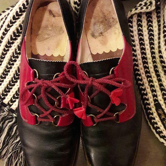 Damenschuhe Deutschland 30-40er Jahre #glencheckberlin #vintageberlin #vintagefashion #vintageshoes #shoes #30s #40s #40sshoes #30sshoes
