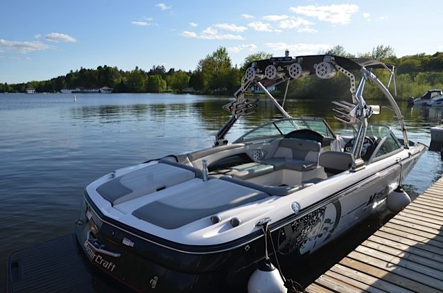 X45 SLIDER! Don't miss out on this one folks, with a spectacular interior/exterior and fully decked out options list you won't be disappointed!! For further information go to www.muskokaboatgallery.com or call us at our toll free number 1-844-855-6789