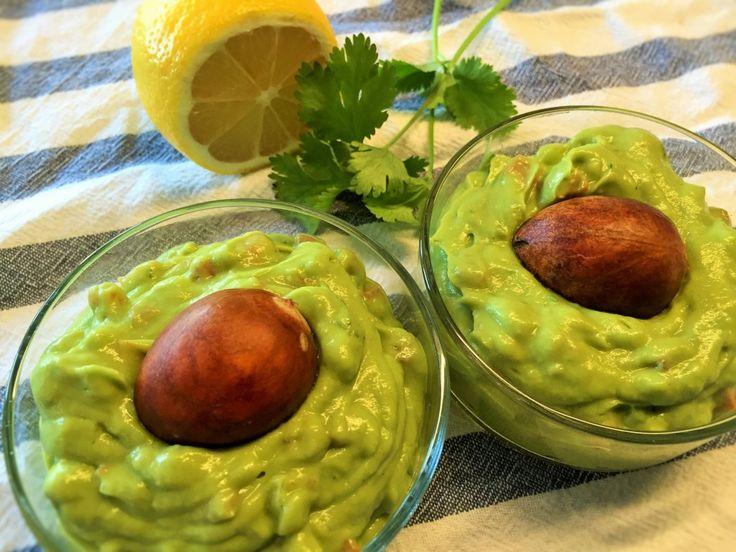 Hausgemachte Taco-Chips mit Guacamole