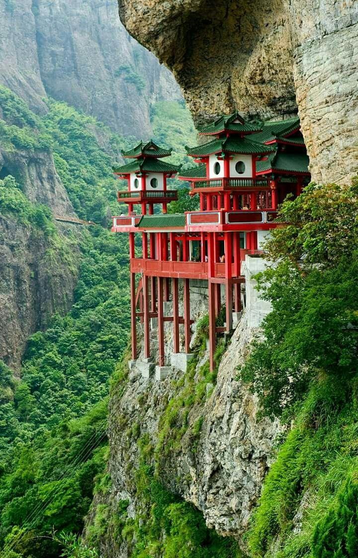 Aufkleber Chinesischen Tempel in Berg